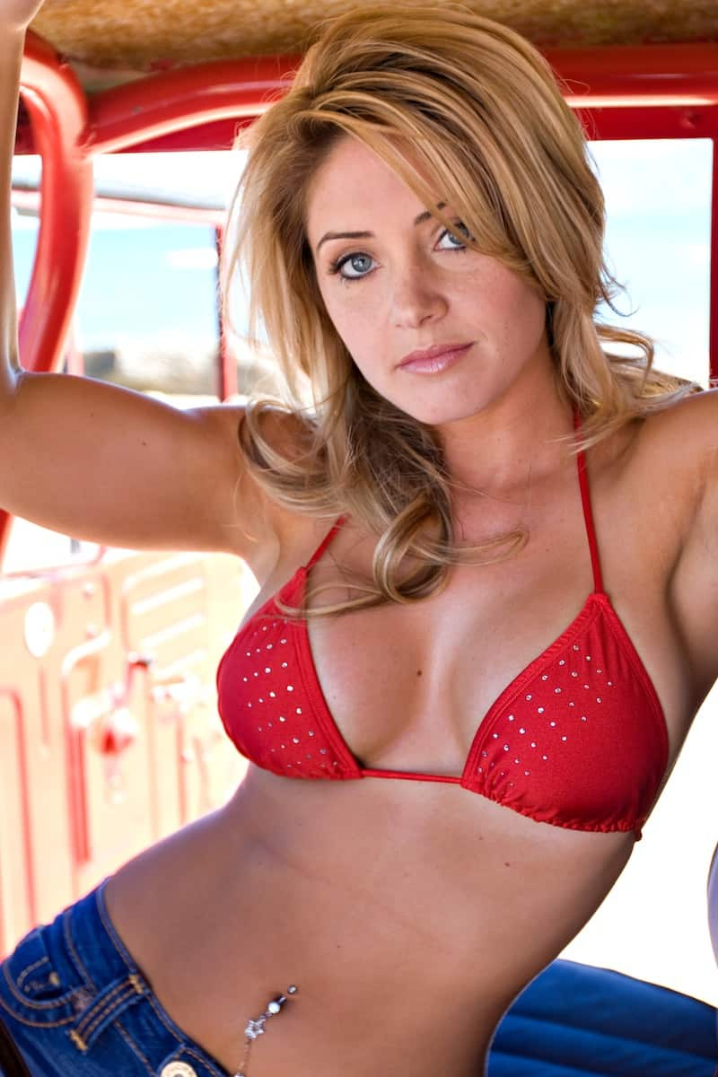 Natalie Skyy | Former Strikeforce Ring Card Girl (PICS)