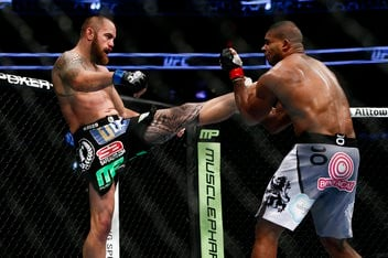 Travis Browne vs Alistair Overeem