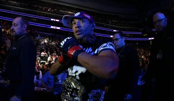 UFC 179: Aldo shoves Mendes